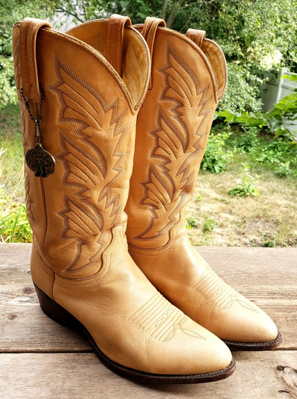 J Chisholm Golden Tan Leather Cowboy Boots 6-Row Stitch Chisholm Coin Men (9)